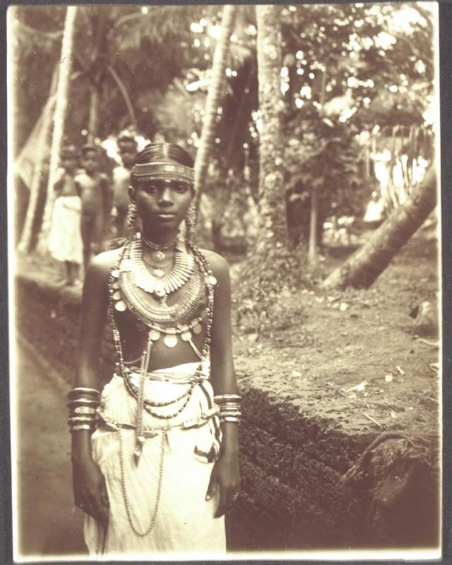 Nayer girl from Malabar Year :1914 Source :University of Southern California Digital Library.